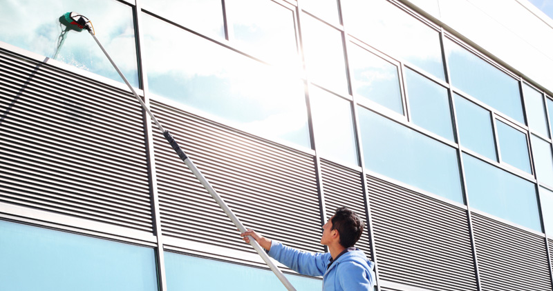 nbs_commercial_cleaning_solutions_windowwashing_1
